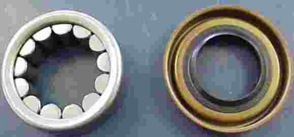 Axle bearing and seal